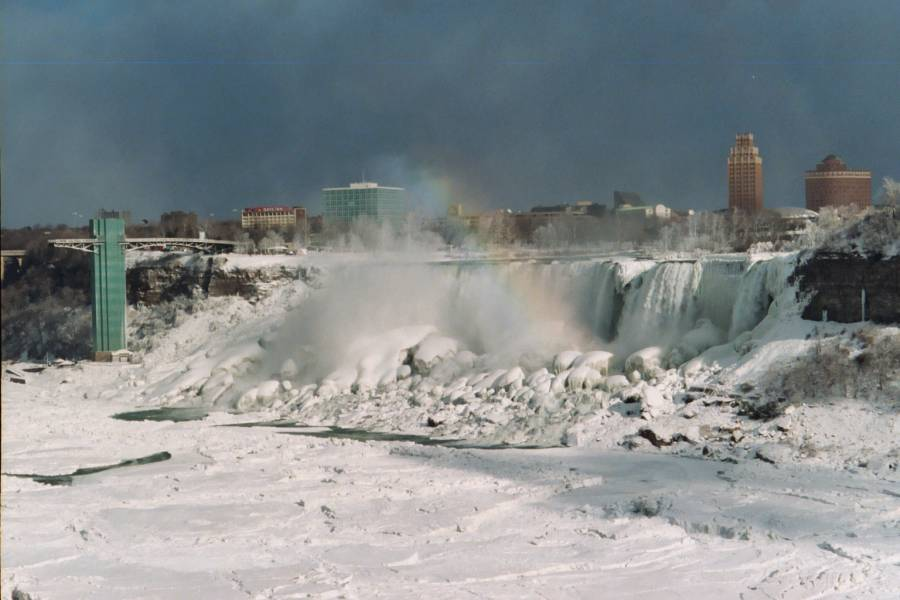 Niagra falls coloring pages niagra best free coloring pages for Niagara falls coloring page